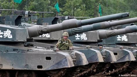 Tank Militer Jepang dalam Latihan Perang (Reuters)
