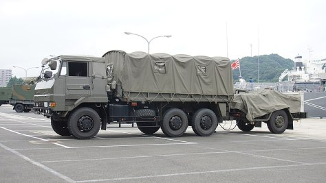 JGSDF Type 73 Ougata Truck(34-0606) & Yagai-suigu I(80-0440) left front view at JMSDF Maizuru Naval Base July 29, 2017. (Wiki)